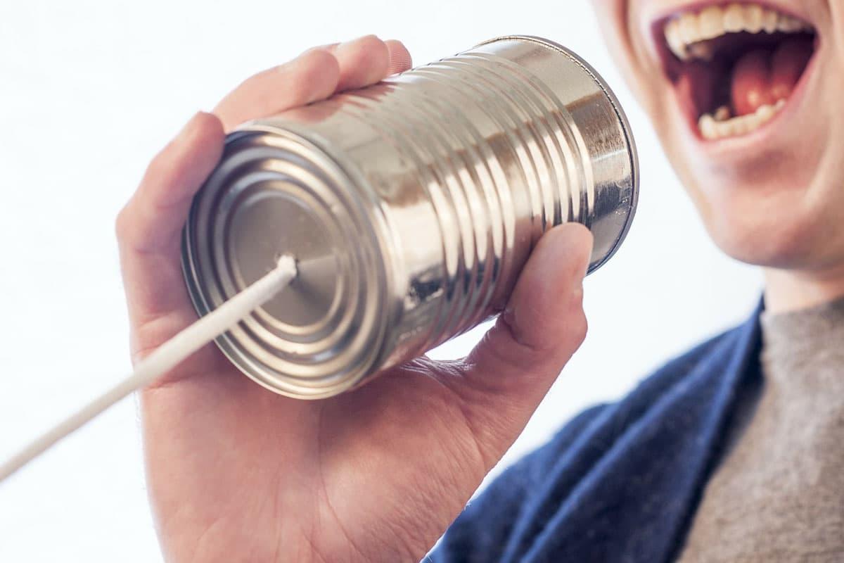 おしゃべりな人の心理&疲れる場合の対処法3つ