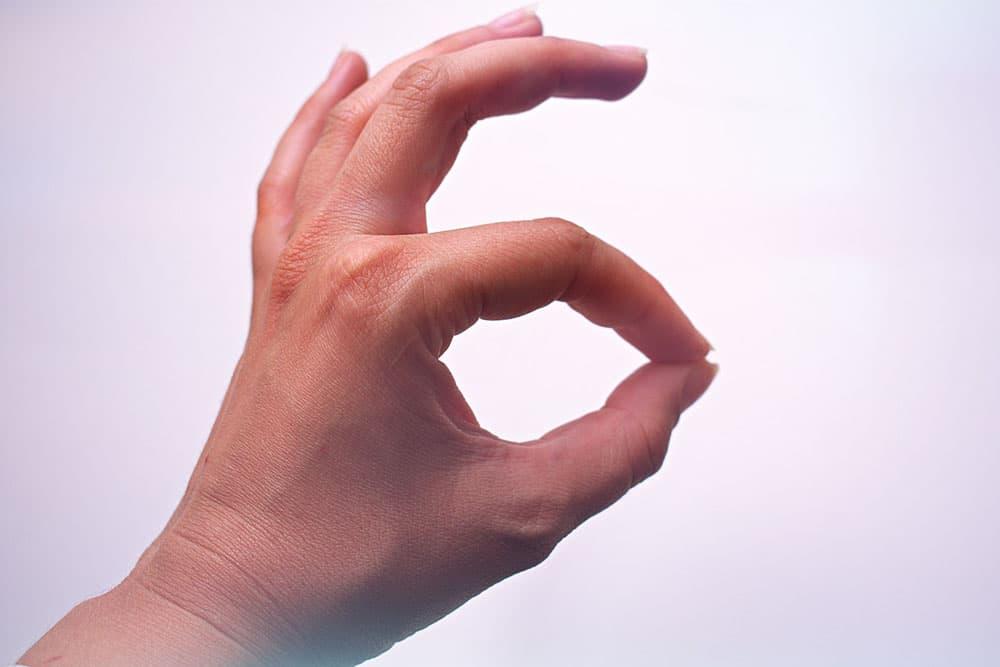腕を組む癖を直す3つの方法